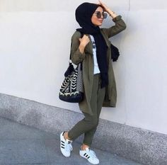 Trendy fashion hijab outfits ideas actual scarf is a vital item from the garments of women usi Hijab Fashion Summer, Modest Fashion Hijab, Modern Hijab Fashion, Street Hijab Fashion, Casual Hijab Outfit, Hijab Fashion Inspiration, Islamic Fashion, Hijab Chic, Muslim Fashion