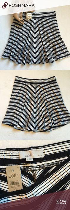"{LOFT} Striped Stretch Circle Skirt NWT! LOFT comfortable and playful circle skirt. Elastic waistband. Side pockets. 94% rayon 6% spandex. 14 1/2"" flat across waist. 18"" long. LOFT Skirts Circle & Skater"