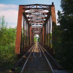 The old Waco trainbridge (Via roggg on Instagram)