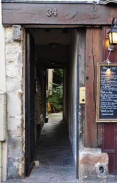 34 Rue Mouffetard, Paris
