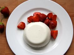 Patriotic Plates Chef Anna Olson's recipe for her ultimate Canadian dish, panna cotta Kinds Of Desserts, Cookie Desserts, Cookie Recipes, Anna Olson, Canadian Dishes, Food Network Canada, Food Network Recipes, Sweet Recipes, Delicious Desserts