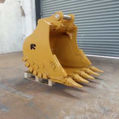 Xuzhou Ransun Machinery Co. Excavator Buckets, Komatsu Excavator, Eyes Wallpaper, Johnny Bravo, Heavy Equipment, Tractors, Construction, Tools, Rock