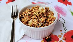 Puffed millet and toasted oatmeal granola with chocolate and hazelnuts!