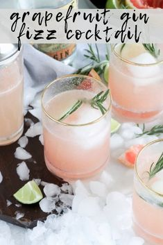 Grapefruit Gin Fizz Cocktail with Rosemary Garnish - Casa de Crews Best Gin Cocktails, Gin Cocktail Recipes, Alcohol Drink Recipes, Refreshing Cocktails, Summer Drinks, Grapefruit Gin Cocktail, Gin Fizz Cocktail, Cocktail Drinks, Pink Grapefruit