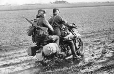 Harleys Exported to the Netherlands - Harley Davidson Forums Harley Davidson History, Harley Davidson Forum, Military Photos, Military History, Sidecar, Soviet Army, War Dogs, War Photography, European History