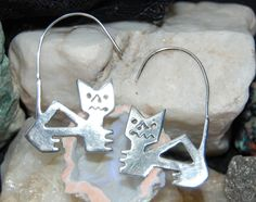 Vintage Sterling Silver Aztec Mexico Inca Panther Cougar Lion Cat Large Unique Wire Hoop Earrings #BKC-KERNG96 by BadKittyCrafts on Etsy