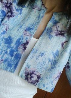 Kupuj mé předměty na #vinted http://www.vinted.cz/damske-obleceni/bolerka-and-vesty/14634862-kvetovane-kvetinove-bolero-bolerko-prehoz-xs-s