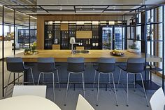 Tech Company Offices – Tel Aviv a global, well-established company, specializing in data analysis which is located in Tel Aviv, Israel.