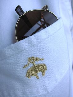 Brooks Brothers clothing is a historic staple of Palm Beach. Make sure to bring a Brooks Brothers shirt and your favorite pair of sunglasses! Wholesale Sunglasses, Cheap Sunglasses, Sports Sunglasses, Classy Chic, Classy And Fabulous, Brooks Brothers, Dope Fashion, Mens Fashion, Style Fashion