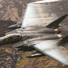 Amazing shot of an F15 in flight!