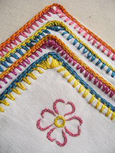 4 Porte-serviette de table en coton brodé / par LMsoVintage sur Etsy