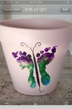 Kids footprint painting ideas/ perfect for mother's day/ DIY gifts / flower pot/kids crafts Kids Crafts, Baby Crafts, Crafts To Do, Infant Crafts, Toddler Crafts, Easter Crafts, Homemade Mothers Day Gifts, Mothers Day Crafts, Homemade Gifts