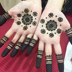 Check out the 60 simple and easy mehndi designs which will work for all occasions. These latest mehandi designs include the simple mehandi design as well as jewellery mehndi design. Getting an easy mehendi design works nicely for beginners. Easy Mehndi Designs, Latest Mehndi Designs, New Bridal Mehndi Designs, Henna Tattoo Designs Simple, Palm Mehndi Design, Finger Henna Designs, Indian Mehndi Designs, Henna Art Designs, Mehndi Designs For Beginners
