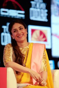Bollywood actor Kareena Kapoor speaks during the session 'How Does a Heroine Become the Hero' at the India Today Conclave in New Delhi on March Indian Bollywood Actress, Bollywood Fashion, Indian Attire, Indian Wear, Indian Dresses, Indian Outfits, Kareena Kapoor Saree, Sonakshi Sinha, Karena Kapoor