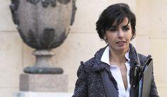 """La Cour des comptes épingle l'ex-garde des Sceaux accusée d'avoir indûment dépensé près de 9.000 euros sur les deniers de son ministère notamment en... foulards Hermès, rapporte """"Le Point""""."""
