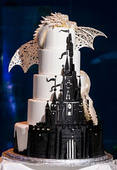 Cake is sweet, but love is sweeter. And we think you're going to love these beautiful and creative Disney-Inspired Wedding Cakes. Crazy Cakes, Fancy Cakes, Pink Cakes, Gorgeous Cakes, Pretty Cakes, Cute Cakes, Amazing Cakes, Unique Cakes, Creative Cakes