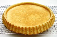 Typically baked in a special round form that bakes a rim for easier filling, but any round 11 inch form will do. Dutch Recipes, Tart Recipes, Baking Recipes, Sweet Recipes, Dessert Recipes, Fruit Flan Recipe, Bake My Cake, Flan Cake, German Baking