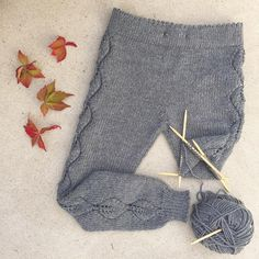 «Fall trousers in the making! Am so glad I had enough to make leaf tables in the sides of this pants, because now I really love . Baby Knitting Patterns, Baby Boy Knitting, Knitting For Kids, Crochet Baby, Knit Crochet, Knit Baby Pants, Diy Crafts Knitting, Baby Pullover, Lace Leggings