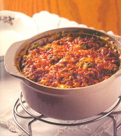 Die souttert is blitsvinnig en baie maklik! Savory Tart, South African Recipes, Quiche, Chili, Good Food, Lunch Box, Food And Drink, Soup, Meals