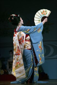 Geisha performance held on Friday, April 20, 2012 -- Saki Yamaguchi (mboogiedown japan)