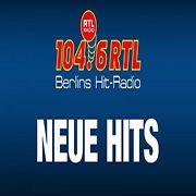 104.6 RTL die besten neuen Hits sorgt mit den allerneuesten Hits bei den Zuhörern stets für Furore. Schalte ein, um bereits heute das zu hören, was erst Wochen später ins Mainstream geraten wird. Ideal für diejenigen, die gerne vor allen andere über neue Bands und Songs bescheid wissen möchten, richtet es sich eher an jüngere Menschen. Abwechslungsreiche Musik ist bei 104.6 RTL nicht nur ein Versprechen, es ist eine Garantie!   #radio104.6RTLDieBestenNeuenHits #hits #pop #radio #voradio… Radios, Pop, People, Guys, Musik, Popular, Pop Music