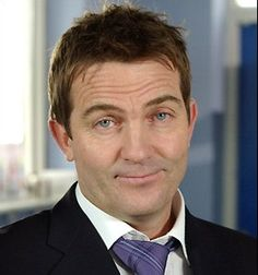 Bradley Walsh (June British actor and presenter, o. known from Coronation Street and Law & Order: Uk. British Drama Series, British Actors, Funny People, Real People, Coronation Street Cast, Tv Show Games, Comedy Tv, Tv Presenters, Celebs