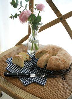 "Pane Al rosmarino Dal Blog ""Love is in the cake"" http://www.loveisinthecake.it/pane-al-rosmarino/#.Uyq3zQxgep4.facebook"