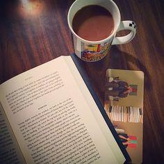Кофе прекрасно дополняет любую книгу