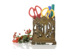 Art deco brass pen holder cardholder art deco by Brocantebcn Pen Holders, Card Holder, Office Art, Recycling, Objects, Art Deco, Mid Century, Brass, Vintage