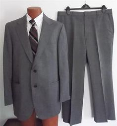 Vintage Palm Beach Mens Gray Herringbone Two Button Wool Suit 44R ~Pants 40 x 30