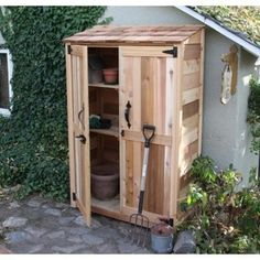 Garden shed made out of pallets