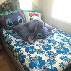 what's this persons favorite Disney movie? Lelo And Stich, Girls Bedroom, Bedroom Decor, Deco Disney, Disney Bedding, Disney Bedrooms, Stitch And Angel, Cute Stitch, Cute Disney