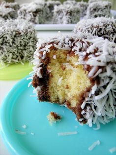 Lamingtons from Masterchef Australia - miss the Wicks Master Chef, Cupcakes, Cupcake Cakes, Sweet Recipes, Cake Recipes, Masterchef Recipes, Cake Dip, Masterchef Australia, Aussie Food