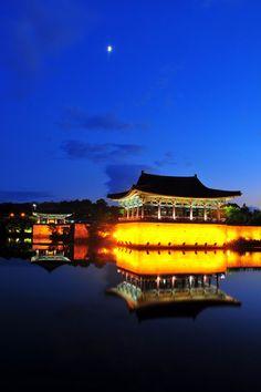 Anapji Pond, beautiful ancient palace in Gyeongju, Korea!