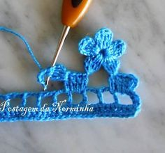 pretty floral edging MoreHow to Crochet a Flower Step by Step / ถักดอกไม้โครเชต์ขั้นThis Pin was discovered by Şav 5 Diy Crafts, Diy Crafts Crochet, Cute Crochet, Crochet Baby, Crochet Projects, Crochet Summer, Crochet Top, Crochet Edging Patterns, Crochet Borders