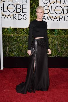 Pin for Later: See Every Glamorous Look That Stole the Show at the 2015 Golden Globes Robin Wright The actress flashed a subtle bit of skin in a crop top and sheer skirt combo, which she finished with Rene Caovilla heels. Star Fashion, Fashion Outfits, Robin Wright, Golden Globes, Short Hair Styles, Awards, Hair Cuts, Glamour, Actresses