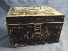 ANTIQUE LIDDED TIN STORAGE HOME DECOR BOX HAND PAINTED RARE & UNIQUE FLOWERS