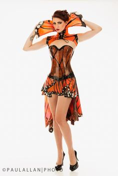 Butterfly latex collar vest, corset and skirt by Dawnamatrix Butterfly Fashion, Butterfly Dress, Butterfly Flowers, Monarch Butterfly, Elegant Dresses For Women, Crazy Outfits, Latex Dress, Sexy Latex, Latex Fashion