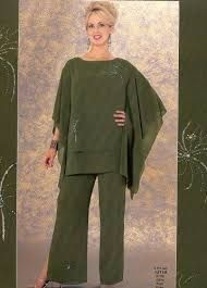 We've gathered our favorite ideas for Wedding Pant Suits For Women Sleevless Occasion Pants, Explore our list of popular images of Wedding Pant Suits For Women Sleevless Occasion Pants. Evening Pant Suits, Formal Pant Suits, Evening Dresses Plus Size, Evening Dresses For Weddings, Plus Size Dresses, Mother Of The Bride Trouser Suits, Mother Of Bride Outfits, Tea Length Dresses, Mob Dresses