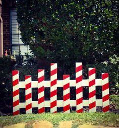 Outside Christmas Decorations, Christmas Yard Art, Christmas Wood Crafts, Pallet Christmas, Grinch Christmas, Christmas Signs, Christmas Projects, Simple Christmas, Holiday Crafts