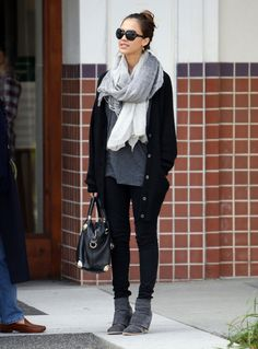 Not a big JessAlb fan…but she does rock some cute/comfy outfits!