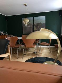 Hillebrand lamp // Gubi Multi-lite lamp // AJ Series 7 Chair // FJ France Chair // Piet Hein Table #Interior #danish #design #scandinavian #decor #inredning #livingroom