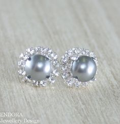 Hey, I found this really awesome Etsy listing at https://www.etsy.com/listing/181872378/grey-gray-pearl-earringsgrey-gray-pearl