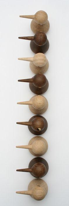 Haal wat Deense architectuur in huis met dit lieve beestje van Architectmade. #wooddesign #birds
