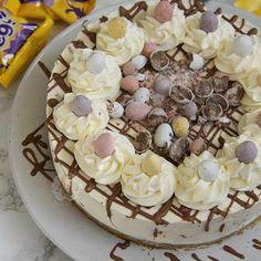 Mini Egg Cheesecake anyone?!  Recipe on my blog! janespatisserie