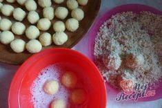 Křupavé ořechové cukroví plněné čokoládovým krémem | NejRecept.cz Pudding, Eggs, Breakfast, Desserts, Erika, Author, Cooking, Molten Chocolate, Deli Food