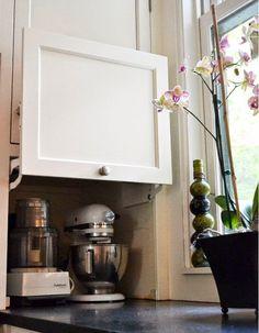 Gyakran felmerülő probléma, amikor konyhát tervezünk, hogy a sarkokat igazán jól kihasználni hogyan is lehet. Tegnap arra kerestem és talál...