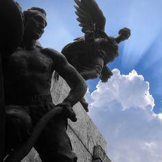 #bevagna #adorea #caduti #grandeguerra #guerramondiale #worldwar #fallen #stopwar #sky #cielo #nuvole #clouds World War, Statue Of Liberty, Clouds, Sky, Instagram, Statue Of Liberty Facts, Heaven, Statue Of Libery, Heavens
