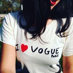 Beautiful day ! I Vogue #voguemagazine #ilovevogue #lookoftheday #instadaily #instacool #instalike #instamoment #instalook #fashionblogger #beautyblogger #styleblogger #instablogger #bloggerstyle #blogger #vintageic #redlips #instagram @voguemagazine @vogueparis