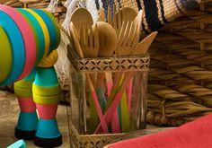 Make your utensils a cut above using the new Handmade Charlotte peel and stick stencils and FolkArt paint. #plaidcrafts #handmadecharlotte #folkart
